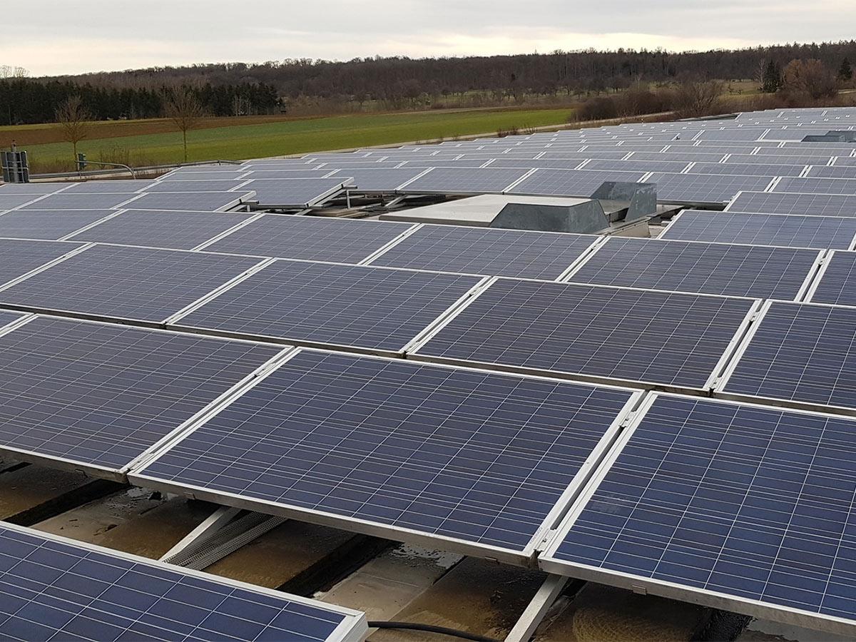 Photovoltaik Anlagen säubern